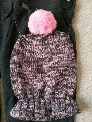 Black and pink winter hat for Sale in Wheeling, IL