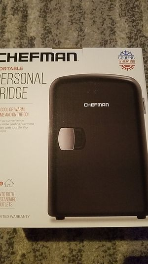 CHEFMAN PORTABLE PERSONAL FRIDGE for Sale in Coral Springs, FL