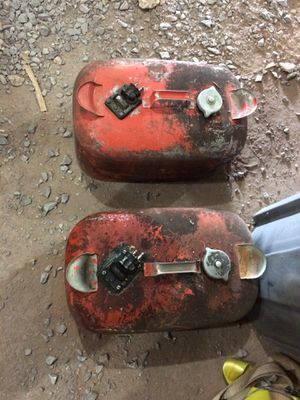 Evinrude Johnson outboard steel gas tanks for Sale in Lewisberry, PA