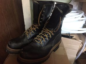 Red Wing Unisex, Tall Vibram boots, size 9D men's for Sale in Diamond Bar, CA