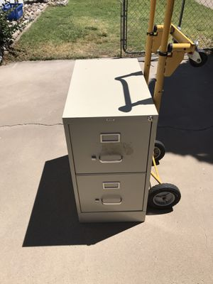 Hirsh brand two drawer file cabinet Just drastically reduced to $25! for Sale in Albuquerque, NM