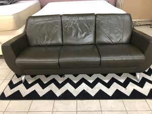 Leather couch sofa 6ft for Sale in Stockton, CA
