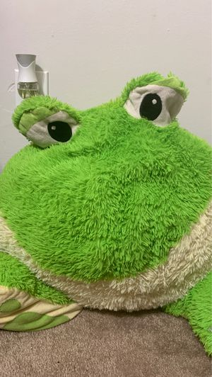 Frog stuffed animal for Sale in Webster Groves, MO