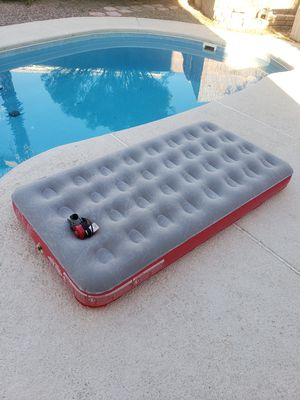 Coleman QuickBed Single High Air Mattress with Pump - Gray for Sale in North Las Vegas, NV