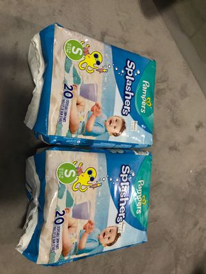 Pampers Splashers Size Small 13-24lb for Sale in Brookfield, IL