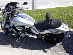Suzuki m109 Limited for Sale in Palm Beach Shores, FL
