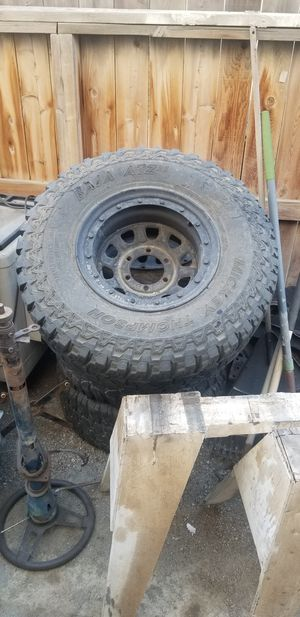 4 free Chevy 6 lug wheels for Sale in Hanford, CA