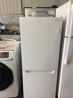 Insignia Bottom Freezer rv / studio fridge for Sale in San Luis Obispo, CA