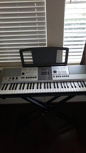 Yamaha PSR-E413 digital piano for Sale in Plano, TX