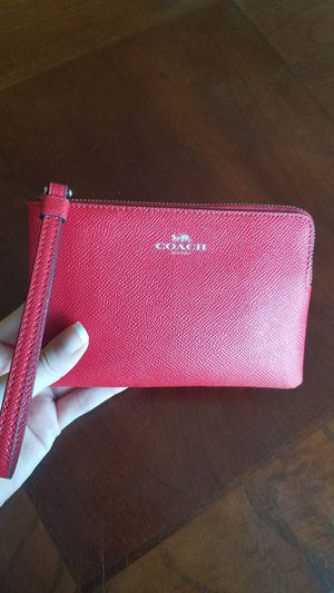 COACH red wristlet for Sale in Seattle, WA