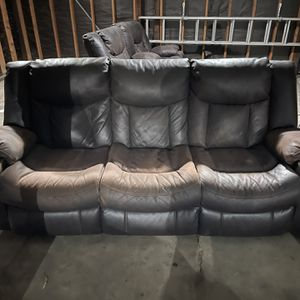 Leather Couches And Love Seat (Reclining) for Sale in Hacienda Heights, CA