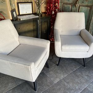 Pair Of Club Chairs Very Comfortable for Sale in San Diego, CA