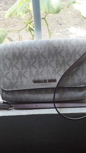 MICHAEL KORS Crossbody bag for Sale in Riverbank, CA