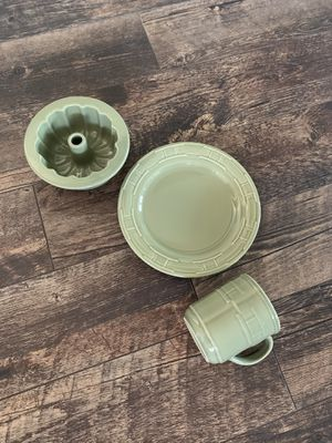 Longaberger pottery sage green for Sale in Corona, CA