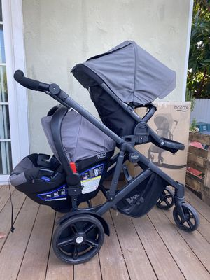 Britax B-Ready double stroller & carseat for Sale in San Diego, CA