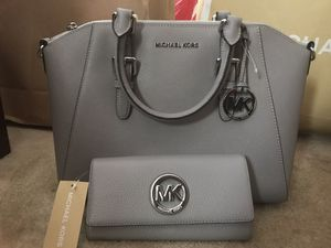 Authentic Michael Kors bag and wallet set for Sale in Hyattsville, MD