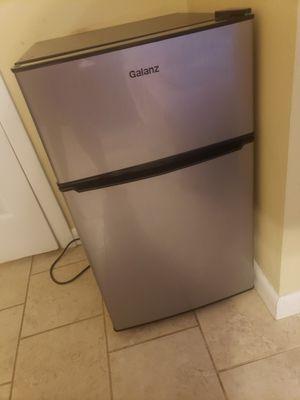 Galanz mini fridge for Sale in Worcester, MA