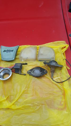 1967-72 chev truck 67-72 ford truck tail light lenses $25 chev will not piece out take all no vehicles just parts for Sale in Lake Stevens, WA