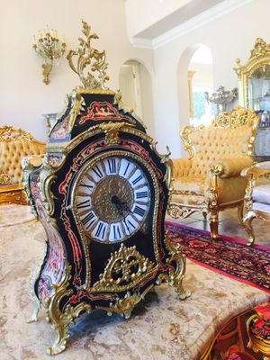 Amazing Italian clock. Antique. Like new. Working. for Sale in Los Angeles, CA