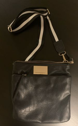 Juicy Couture Cross Body Bag for Sale in San Diego, CA