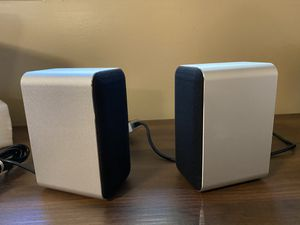 Small laptop speaker for Sale in St. Charles, IL