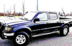 ֆ14OO 4WD Toyota Tacoma 4WD for Sale in Hutchinson, KS