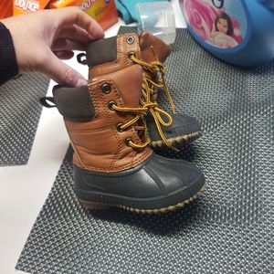 Baby Gap Thinsulate Snow Boots 5t /6t for Sale in San Bernardino, CA