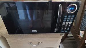Sunbeam 900 watts microwave for Sale in South El Monte, CA