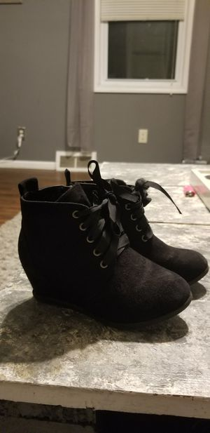Girls sz 11 wedge boots for Sale in Beaver Falls, PA