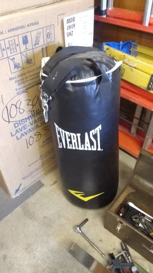 Everlasting heavy bag for Sale in Parma, OH