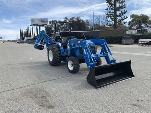 LS MT235E COMPACT GEAR TRACTOR WITH A FRONT LOADER & BACKHOE for Sale in Redlands, CA