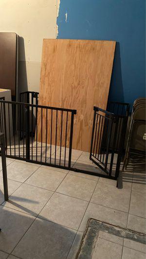 Seguridad para niños o perros for Sale in Houston, TX