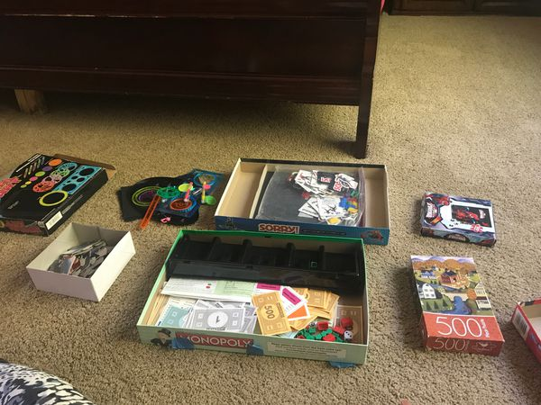 Six different card and puzzles games
