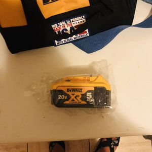 Dewalt 20v #5 ah battery for Sale in Yonkers, NY
