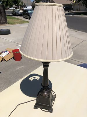 Beautiful lamp, great condition for Sale in Acampo, CA