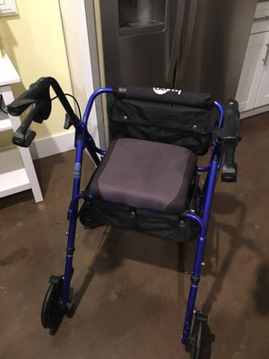 Rolling walker with seat for Sale in Corona, CA