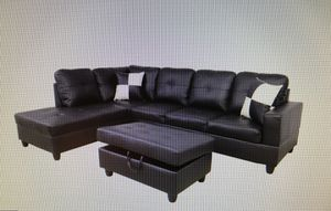 Sectional couch with ottoman. (new) for Sale in Alameda, CA