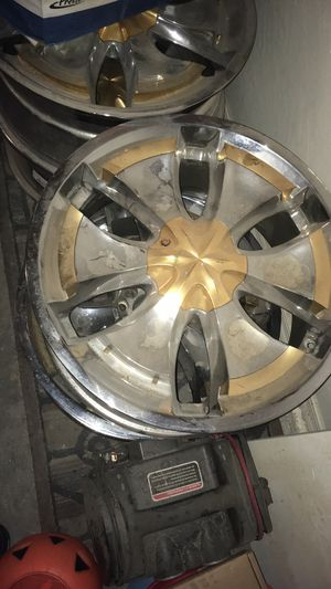 22 inch Chevy rims 5 lugs for Sale in Phoenix, AZ