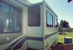 on other 1999 Fleetwood Bounder for Sale in San Diego, CA