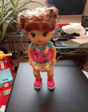 Baby Alive Step ?N Giggle Baby Brown Hair Doll with Light-Up Shoes, Responds with 25+ Sounds & Phrases, Drinks & Wets for Sale in Tulsa, OK