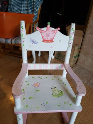 Little girl rocking chair-FREE for Sale in Yelm, WA