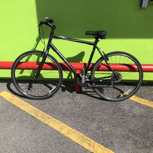 "Trek 7.1fx Man's 21 - Speed Hybrid Bike - 22.5"" 89518-1 for Sale in Tampa, FL"