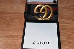 Gucci belt for Sale in Valrico, FL