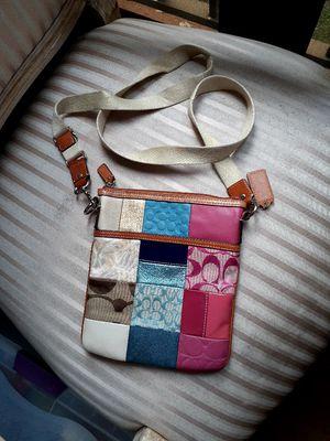 coach hand bag for Sale in Lauderhill, FL