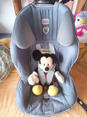 Britax car seat only 4-35 lbs. Safe cell impact protection . for Sale in Queens, NY