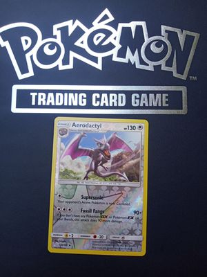 Aerodactyl REVERSE HOLO + Lunala RARE with all evolutions 2 UNCOMMON Trainers +2 UNCOMMON pokemon with all evolutions for Sale in Rockville, MD