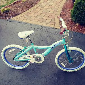 Schwinn Delitte 20 inch girls bike for Sale in Clairton, PA