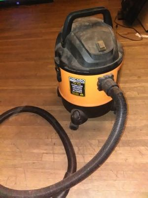 Chicago electric shop vac 5 gal for Sale in Pasadena, TX