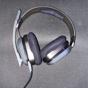 ps4headset for Sale in Tampa, FL