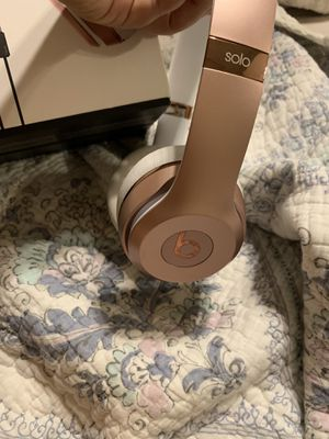 Rose Gold Beats Solo 3 for Sale in Las Vegas, NV